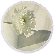 Chrysanthemum Shadow Round Beach Towel