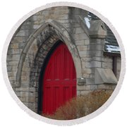 Church And The Red Door Round Beach Towel