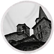Church Of The Assumption Of Mary In Bossost - Abse And Tower Bw Round Beach Towel