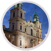 Church Of The Holy Cross At Night In Warsaw Round Beach Towel