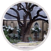 Church On Rosedale With A Dusting Of Snow Round Beach Towel