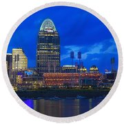 Cincinnati At Sunset Round Beach Towel