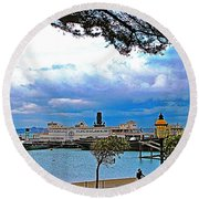 City By The Bay In San Francisco-california  Round Beach Towel