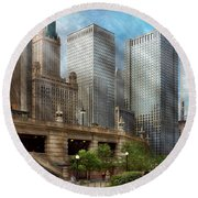 City - Chicago Il - Continuing A Legacy Round Beach Towel