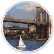 City - Ny - Sailing Under The Brooklyn Bridge Round Beach Towel