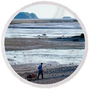 Clam Digger With Wagon Round Beach Towel