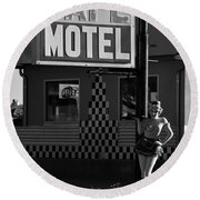 Classic 50s Motel Cafe Round Beach Towel