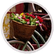 Classic Bicycle With Tulips Round Beach Towel
