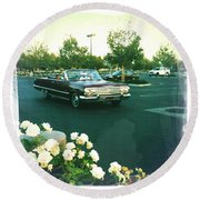 Classic Car Family Outing Round Beach Towel