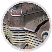 Classic Car With Rust Round Beach Towel
