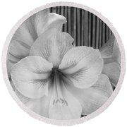 Classic Lilies Round Beach Towel