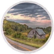 Classic Missouri Barn Round Beach Towel