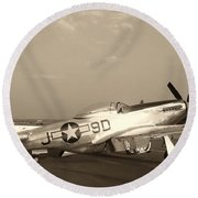 Classic P-51 Mustang Fighter Plane Round Beach Towel