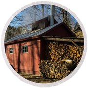 Classic Vermont Maple Sugar Shack Round Beach Towel