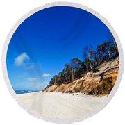 Cliffs On A Sunny Beach Round Beach Towel
