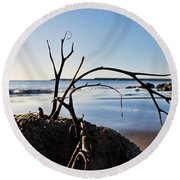 Clinging To The Rocks Round Beach Towel