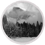 Cloaked In A Snow Storm - Monochrome Round Beach Towel