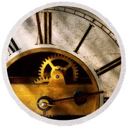 Clockmaker - What Time Is It Round Beach Towel