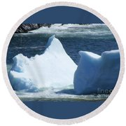 Cold Visitors  Round Beach Towel