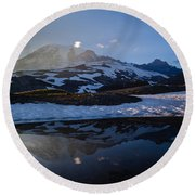 Cold Water Mountain Round Beach Towel