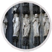 Cologne Cathedral Statuary Round Beach Towel