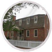 Colonial Williamsburg Scene Round Beach Towel