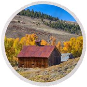 Colorado Rustic Rural Barn With Autumn Colors  Round Beach Towel