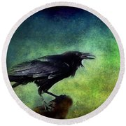 Common Raven Round Beach Towel