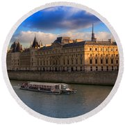 Conciergerie And The Seine River Paris Round Beach Towel