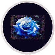 Contorted Rose Round Beach Towel