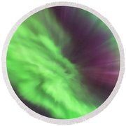 Converging Curtains Of Aurora Round Beach Towel