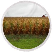 Cornfield And Farmhouse Round Beach Towel