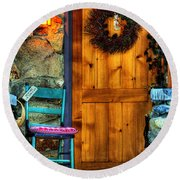Country Cottage Door At Christmas Round Beach Towel