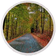 Country Lane In Autumn Round Beach Towel