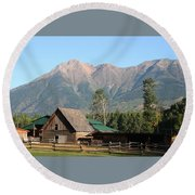 Country Ranch In Mountains Round Beach Towel