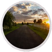 Country Setting Round Beach Towel