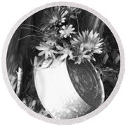Country Summer - Bw 02 Round Beach Towel