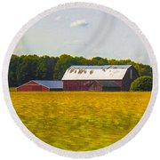 Countryside Landscape With Red Barns Round Beach Towel