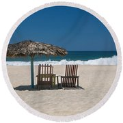 Couple In The Shade Round Beach Towel