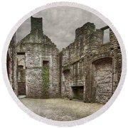 Craigmillar Castle Ruin Edinburgh Round Beach Towel
