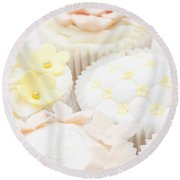 Criss-cross Cupcake Round Beach Towel