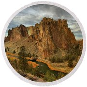 Crooked River Bend Round Beach Towel