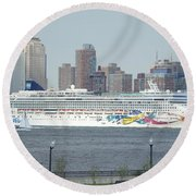 Cruise Ship On The Hudson Round Beach Towel