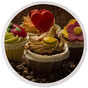 Cupcakes And Coffee Beans Round Beach Towel