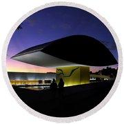 Curitiba - Museu Oscar Niemeyer Round Beach Towel