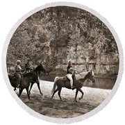 Current River Horses Round Beach Towel