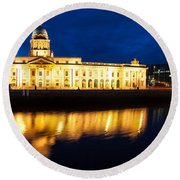 Custom House And International Financial Services Centre Round Beach Towel