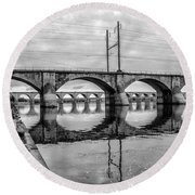 Cv - Susquehanna River Bridge Harrisburg  Pennsylvania In Black  Round Beach Towel