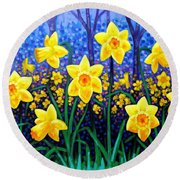 Daffodil Dance Round Beach Towel