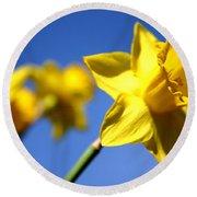 Daffodil Line Round Beach Towel